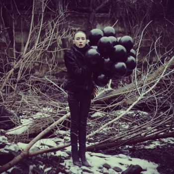 Girl with baloons by psychiatrique