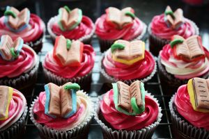 Cupcakes for Bookworms 2 by peeka85