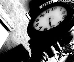 A lonely clock. by KristineAdelia