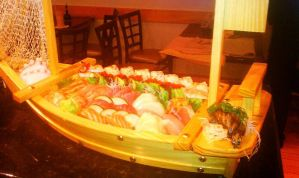 Quick and dirty Sushi boat about 15 min. total by AkiArashi