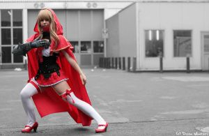 zara Queen's Blade Grimoire at mia 2013 by majinmarron