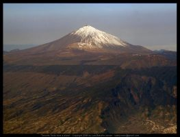Tenerife Teide from a plane by elsenator
