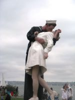 Navy Kiss Statue by BigMac1212