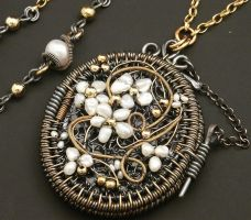 Locket Vintage Embroidered by WiredElements