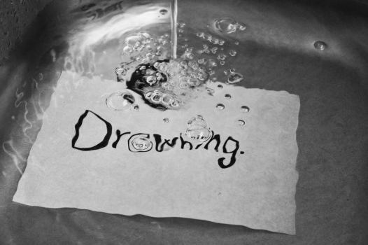 Drowning. by Magggggg