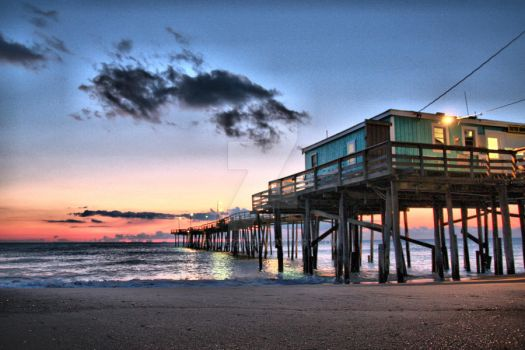 Sunrise at Nags Head Pier by pewter2k