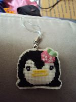x-stitch penguin keychain by mysteriousmage