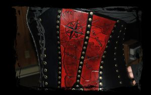 hard leather corset side view by Lagueuse