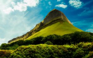 Ben Bulben by welshdragon
