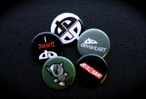 dA Buttons by deviantWEAR