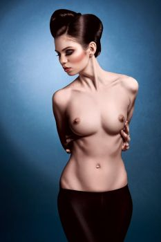 Torso by idaniphotography