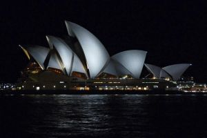 Sydney Opera House at Night by tuftedpuffin
