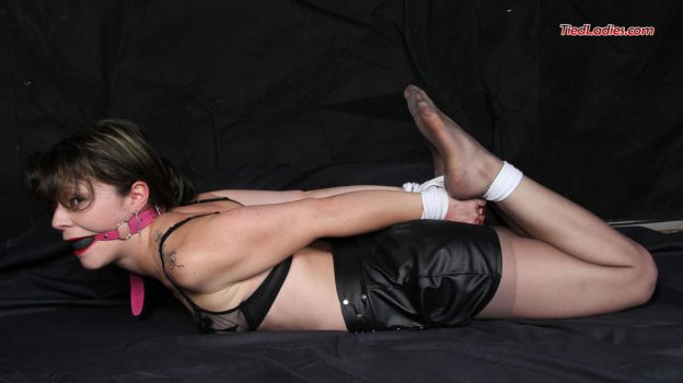 Hogtie and ballgag, all things tight for Gwenaelle by PhMBond