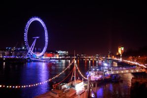 london eye view by EmbetanteYahi