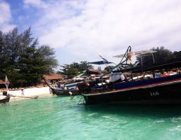 Leaving Koh Lipe by Youjeen