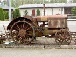 City Tractor by TomRedlion