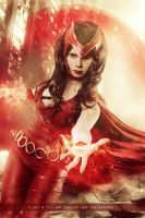 Scarlet Witch - Avengers - Marvel Comics by WhiteLemon