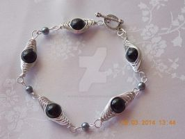 Silver and black herringbone bracelet by Quested-Creations