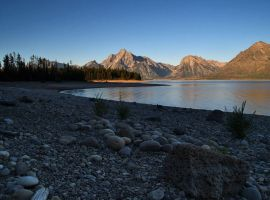 Morning amongst the Tetons by vindego