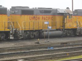 UP GP38-2 587 by BNSF