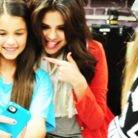 Selena Gomez Icon - Twitter by MyHappinessLaali