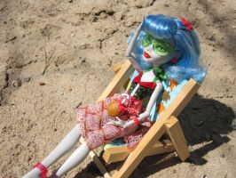 MH Ghoulia Beach Time 3 by immortalmina