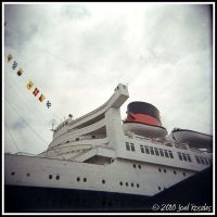 Queen Mary 1 by xjoelywoelyx