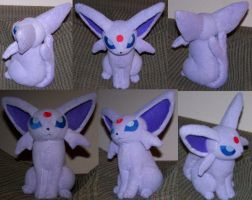 Revised sitting Espeon by YutakaYumi