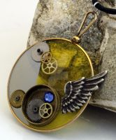 Steampunk optical lens pendant by Xerces