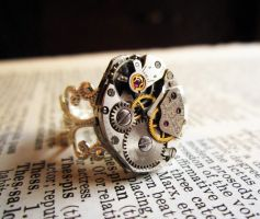 Steampunk Gruen ring by David-Random