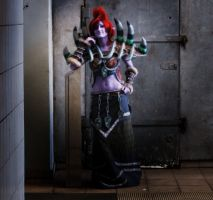 Troll Shaman in Train Station by Rettungsratte