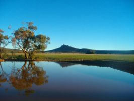 Devils Peak Reflection by pineappleTaxi
