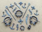 Steel brooches and pendants 4 by Astalo
