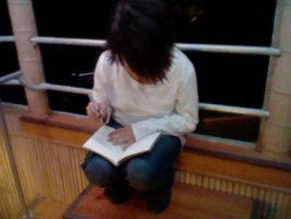 L and the Death Note!? by XxEAltairRoxsAxX