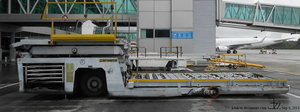 Airport loading truck 2 by K4nK4n