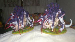 Two tervigon miniatures, from my Tyranid Army by Danhte