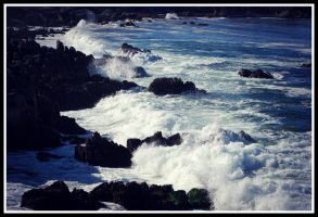 Raging Waves by Mellowbeauty