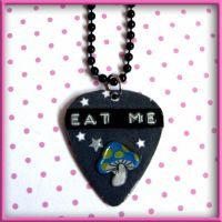 Eat Me Alice Necklace by SugarAndSpiceDIY
