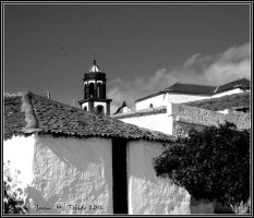 Church among roofs by quevedo3