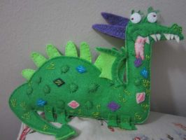 Crackle the (felt) Dragon by ladyzilla