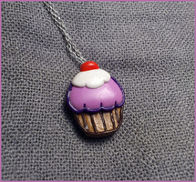 Cupcake necklace by CookingMaru