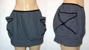 Funky skirt w pockets by funkyfunnybone