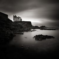 The dark house by etchepare