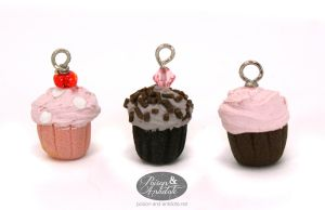Sweet Cuppin Cakes by chat-noir
