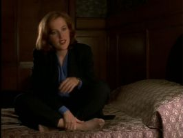 scully pantyhose by pantyhosesniffer