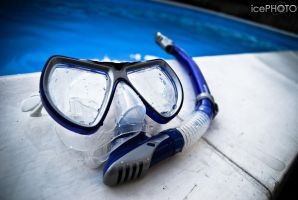 Snorkling in a pool by IceBone