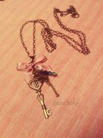 Retro key necklace by ShirNek0