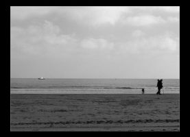 Black and White Beach by friedmoonthing