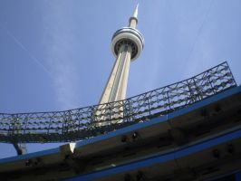 CN Tower in Toronto by dmjh30