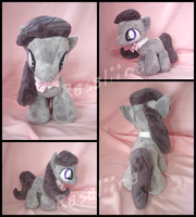 MLP FiM: Filly Octavia plushie by Rasaliina